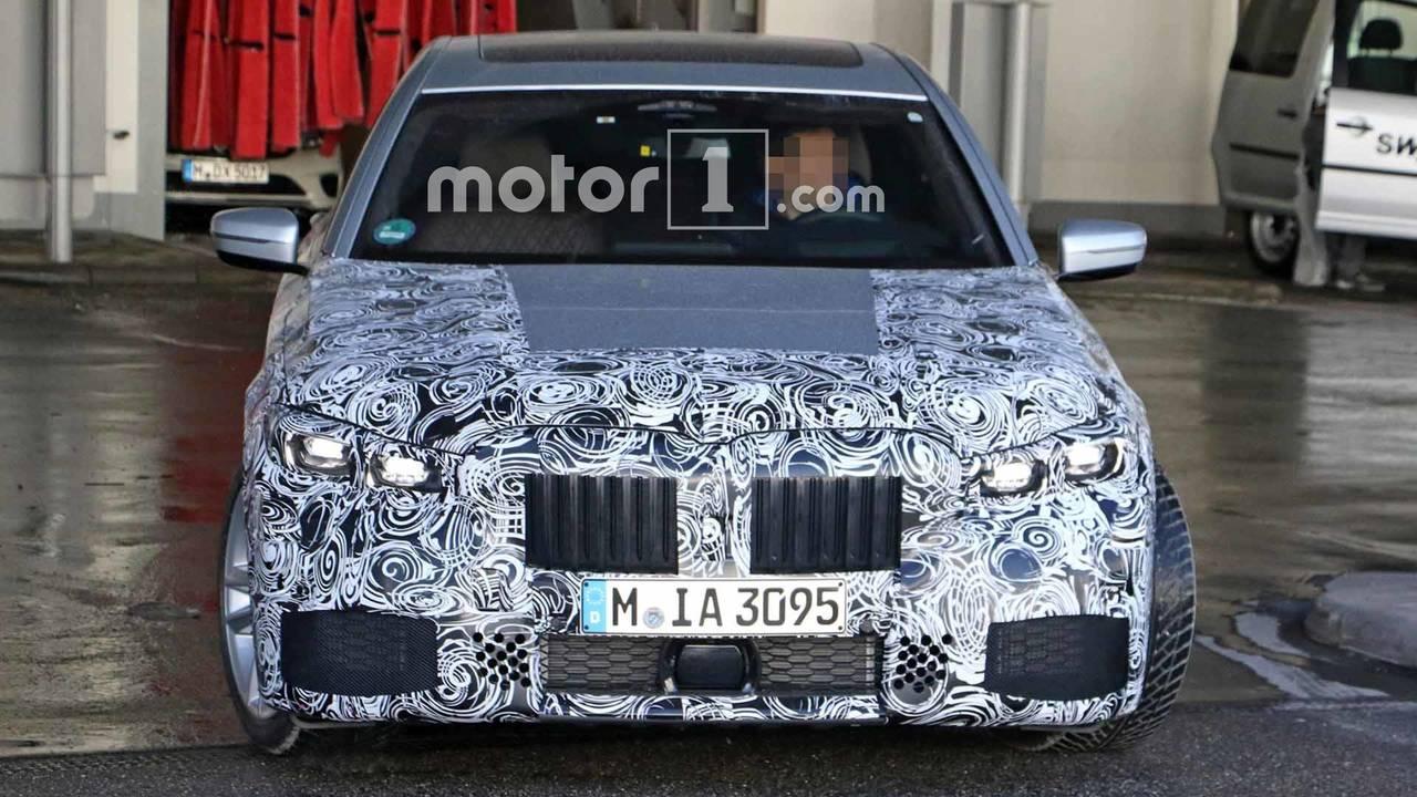 2019 BMW 7 Series Refresh Spy Photos