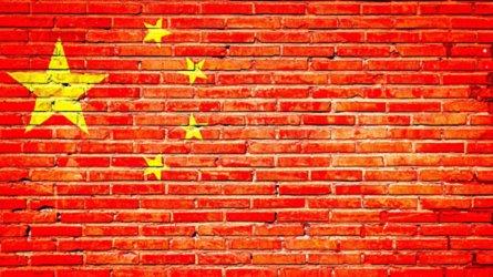 """Cina vs USA: """"Mentalità da gangster, ora nuovi dazi auto"""""""