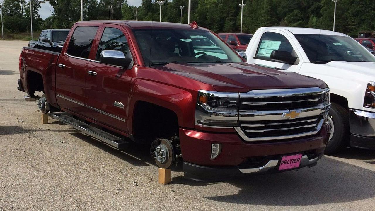 Texas wheel thieves strike again, this time 48 sets worth $250,000