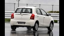 Toyota Etios Liva: Futuro hatch brasileiro é flagrado em versão definitiva na Índia
