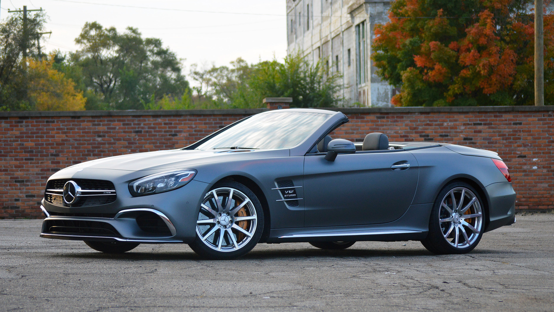 https://icdn-0.motor1.com/images/mgl/e1mPW/s1/2017-mercedes-amg-sl65-review.jpg
