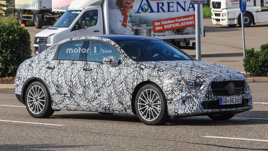 La Mercedes Classe A berline aperçue pour la première fois