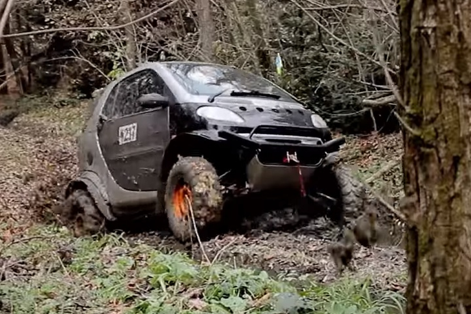 Watch a Smart Fortwo Transform Into a Crazy Off-Road Machine