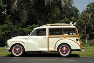 This Vintage Surf Van is What Summer is All About