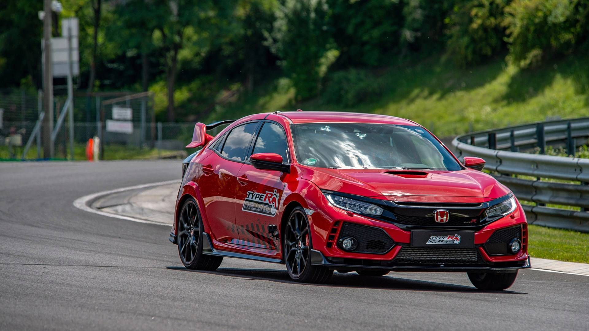[Image: honda-civic-type-r-hungaroring.jpg]