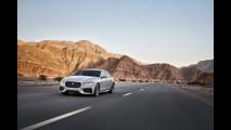 Nuova Jaguar XF, più spaziosa e leggera