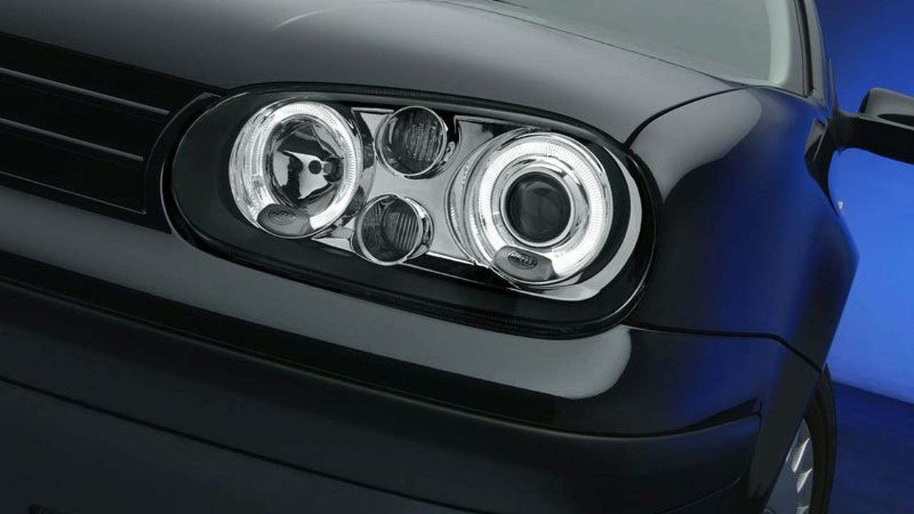Golf IV with CELIS light rings from Hella