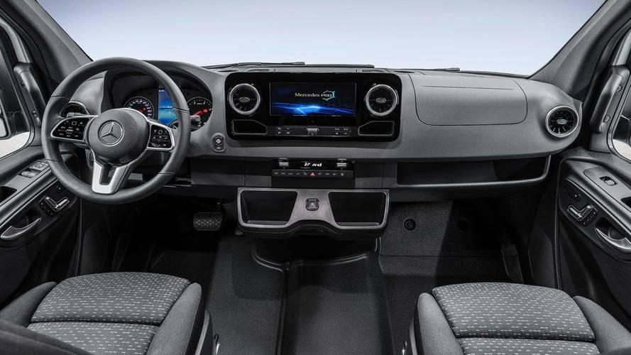 Yeni Mercedes Sprinter'ın kabini teknoloji dolu