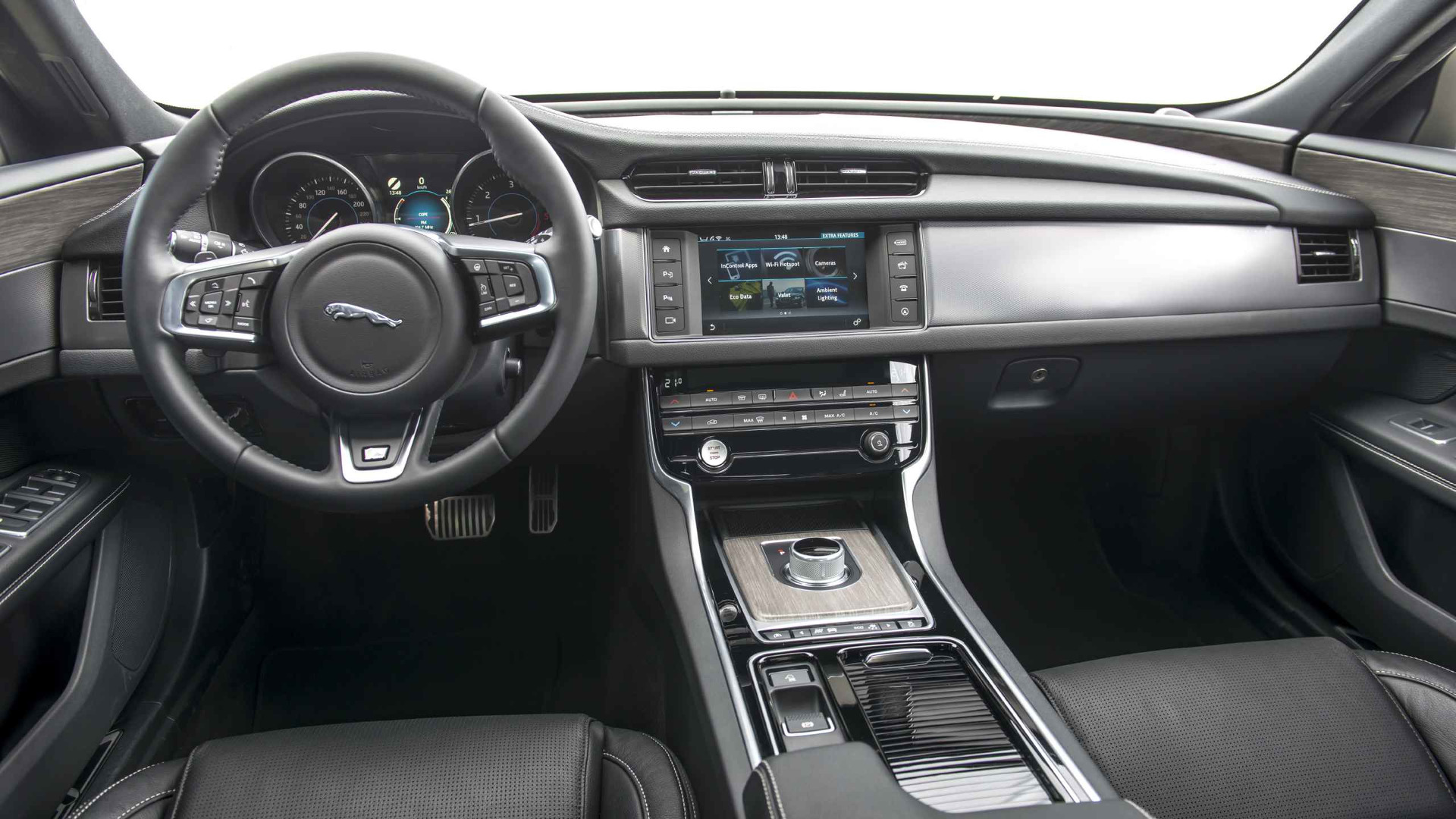 2017 Jaguar XF Review