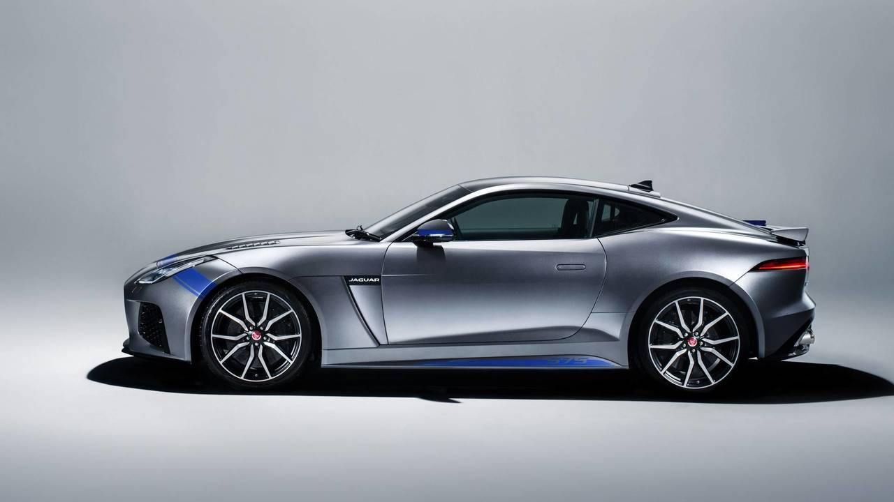 Jaguar F-Type SVR with Graphic Pack
