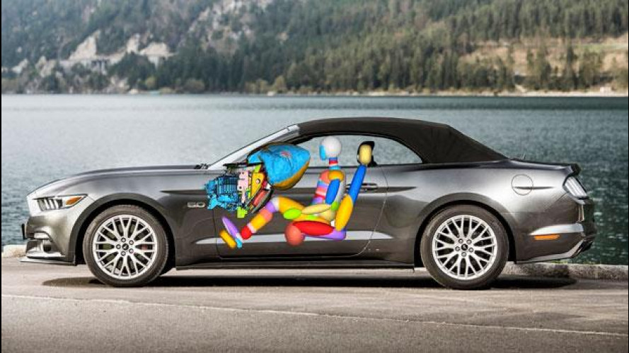 Ford Mustang, nuova anche negli airbag