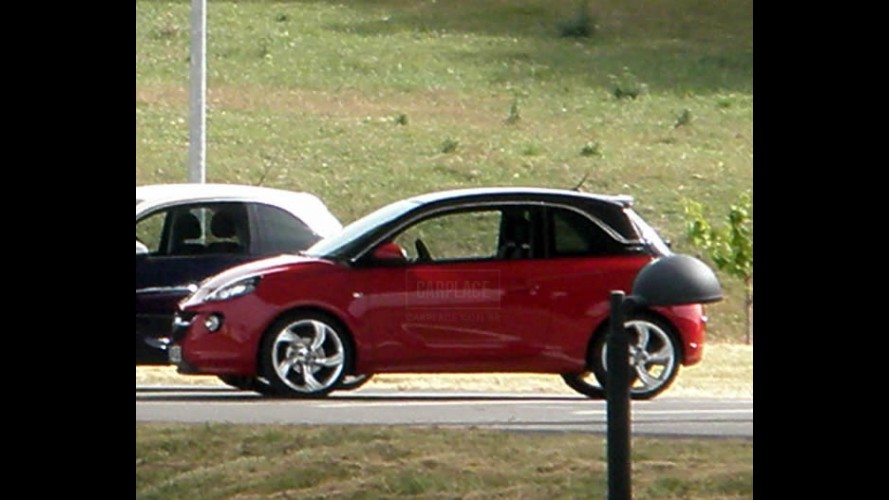 Novo Opel Adam é flagrado sem camuflagem - Visual mescla
