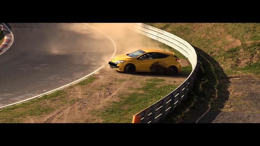 Une Renault Mégane R.S à deux doigts du crash