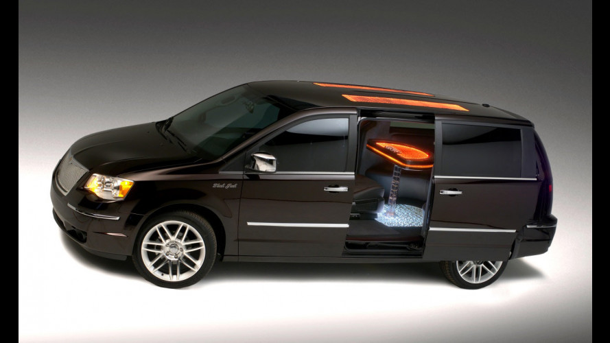 Chrysler Town and Country Black Jack