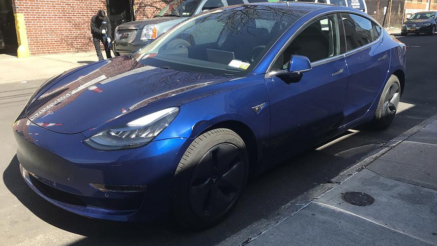 Bu Tesla Model 3 üzerindeki hasarın maliyeti sizce ne kadardır?