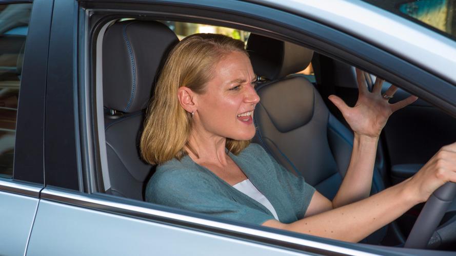 Araştırmaya göre kadın sürücüler erkeklerden daha sinirli