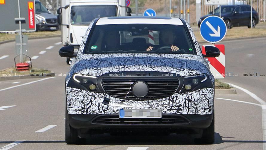 Mercedes EQ C foto spia