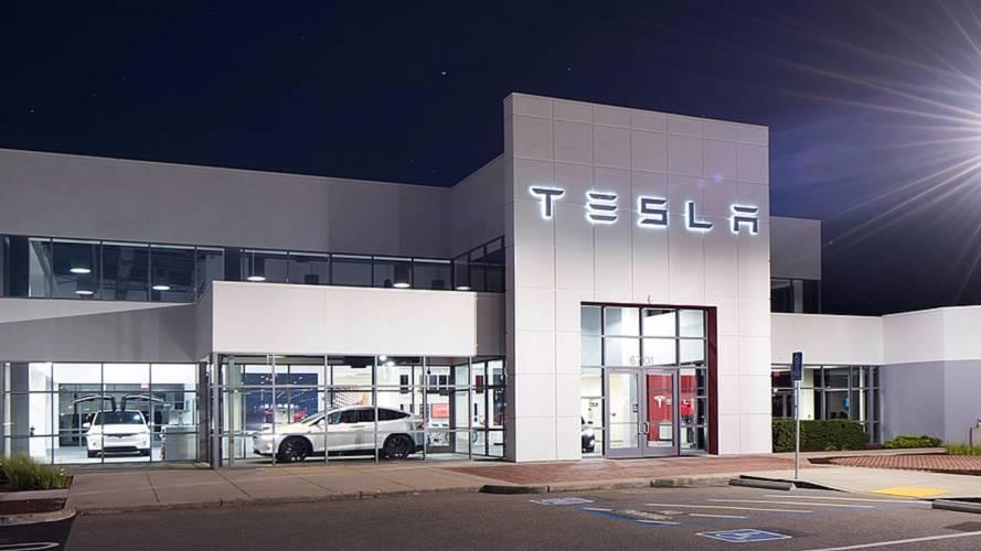 "Tesla Service Center Overload? Cases Hit ""Unbelievable"" Level"