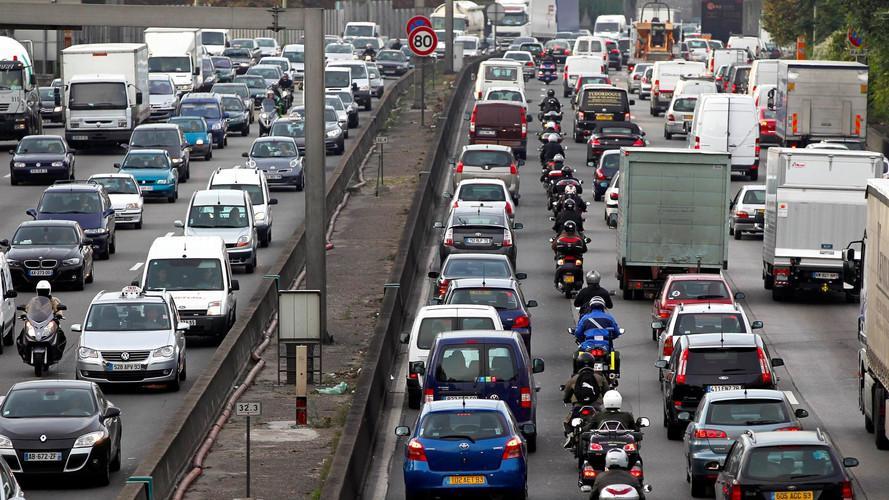 La Commission européenne soupçonne les constructeurs de gonfler les valeurs d'émissions de CO2