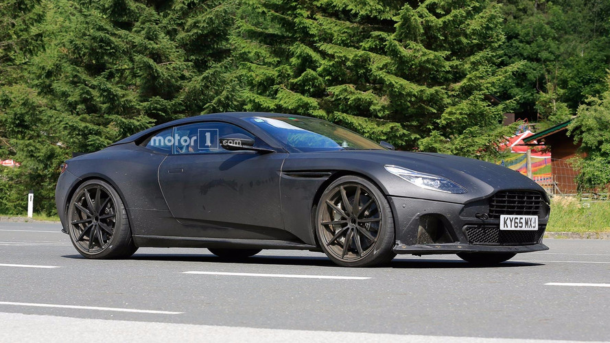 Photos espion - L'Aston Martin DB11 va bientôt se fâcher