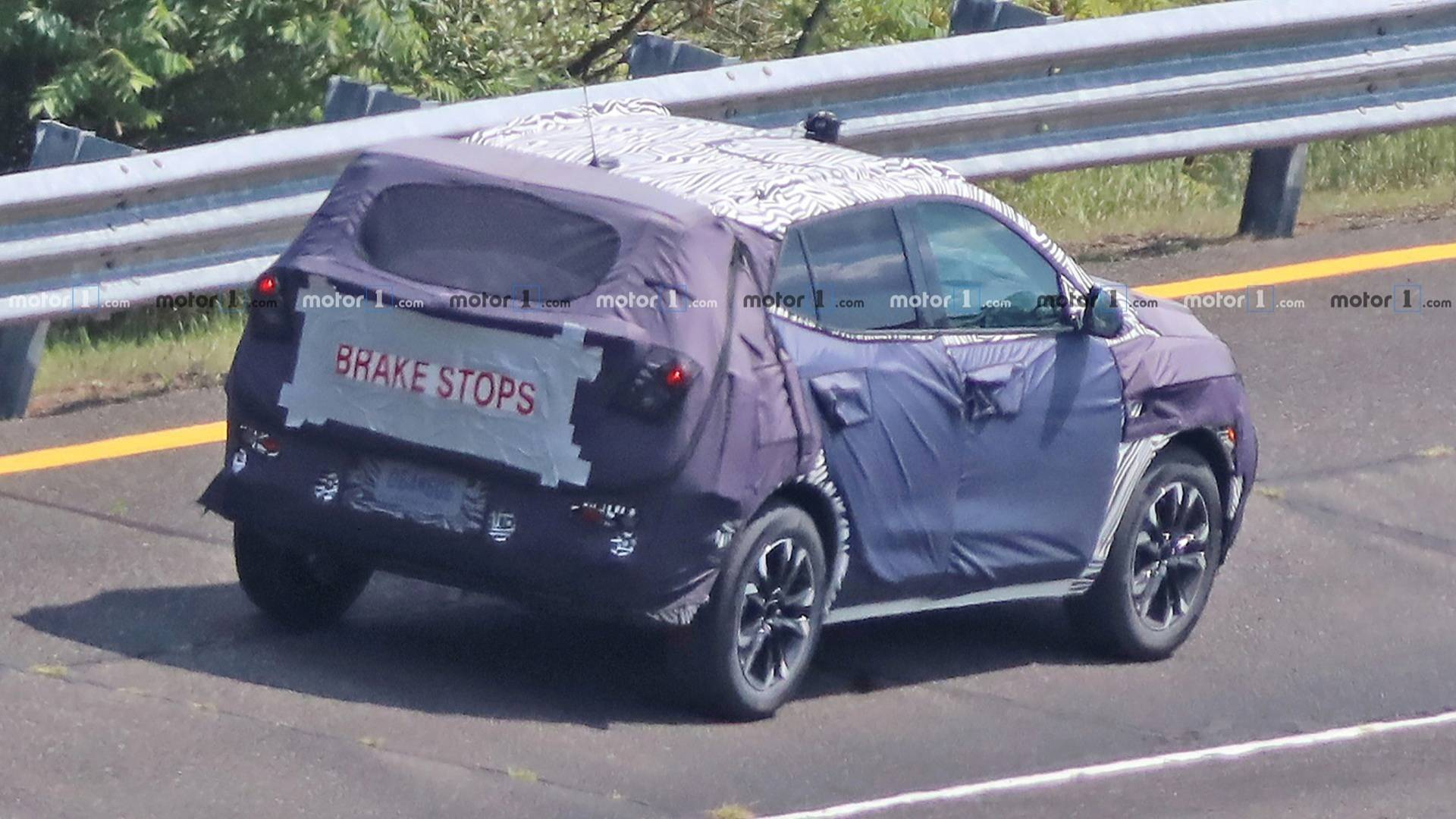 2019 - [Buick] Encore II - Page 2 2020-buick-encore-spy-photo