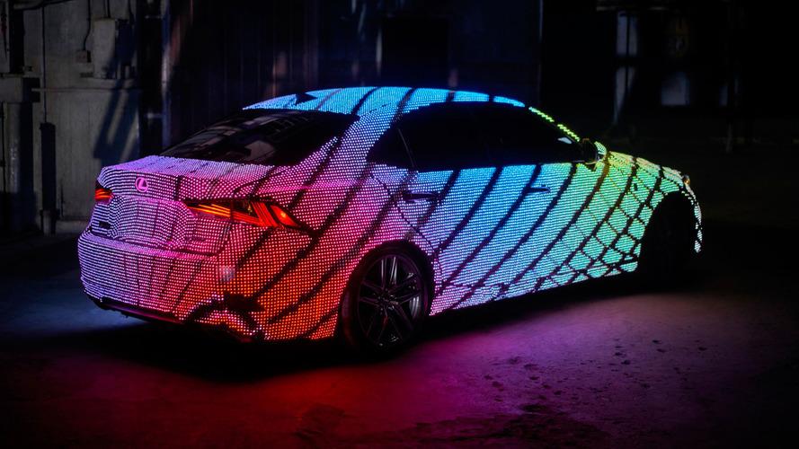Lexus LIT IS - 41'999 LED sur la carrosserie et un spectacle remarquable