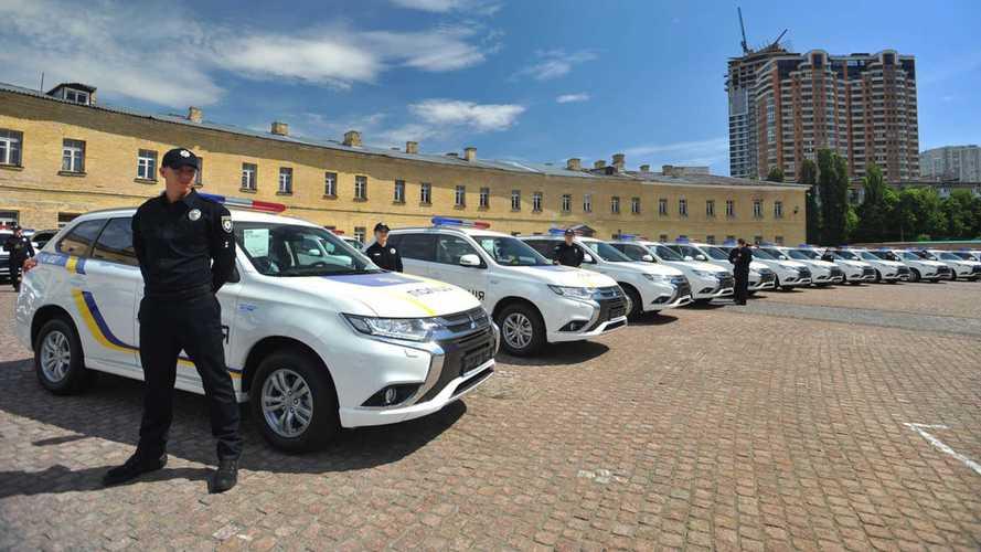La police ukrainienne prend livraison de 635 Mitsubishi Outlander PHEV !