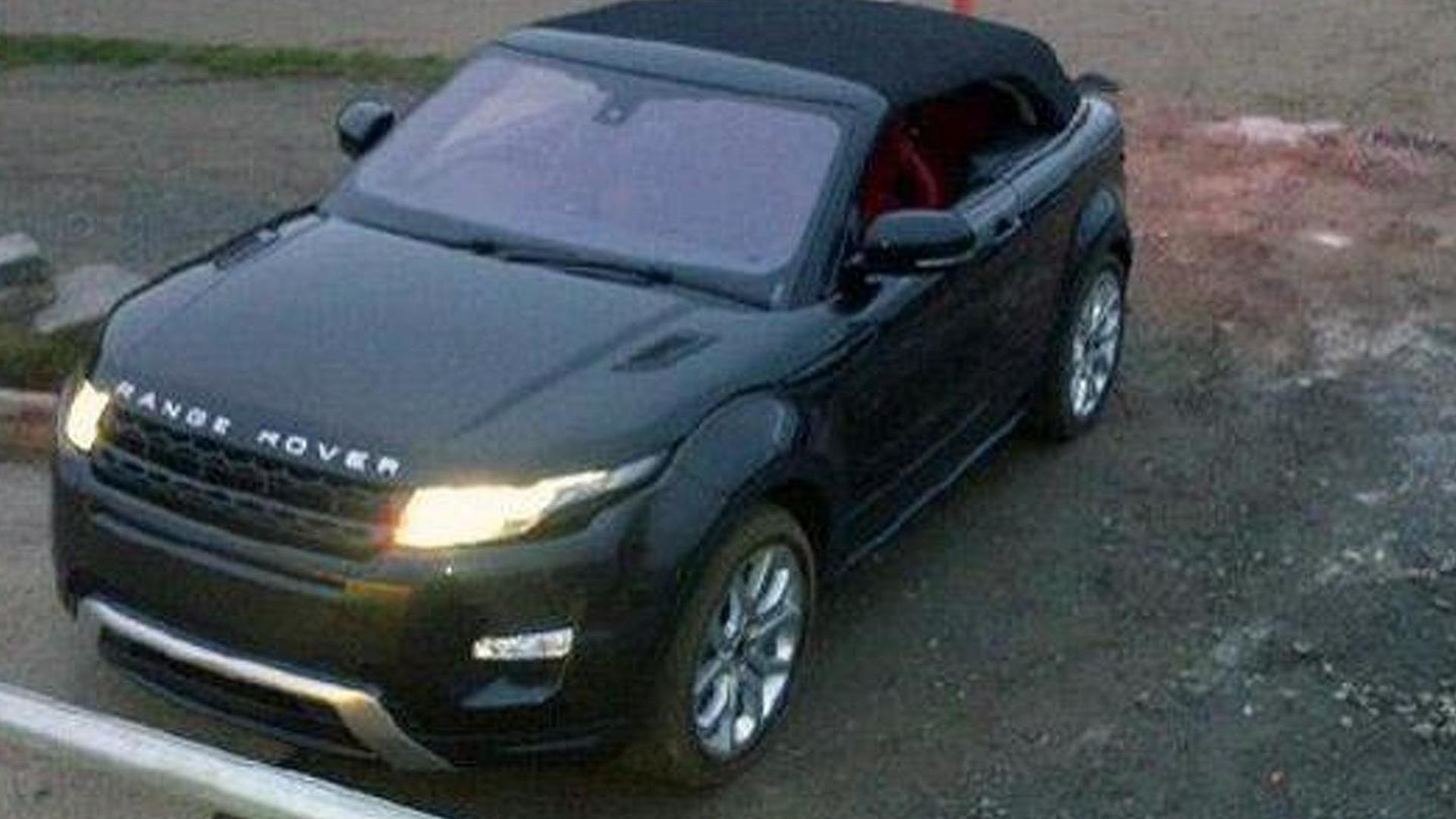 https://icdn-0.motor1.com/images/mgl/oP6nq/s1/2012-298745-land-rover-evoque-cabriolet-concept-caught-with-top-up1.jpg