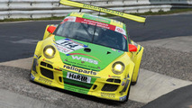 Porsche 911 lines up for Nurburgring