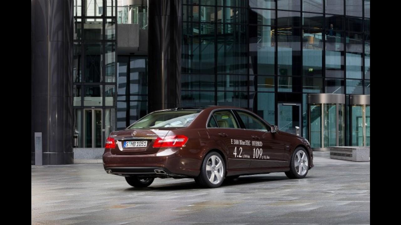 Mercedes prepara nova versão híbrida da Classe E para julho