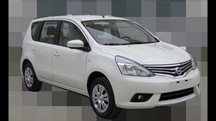 Sem disfarces: Nissan Livina aparece com visual reestilizado em flagra na China