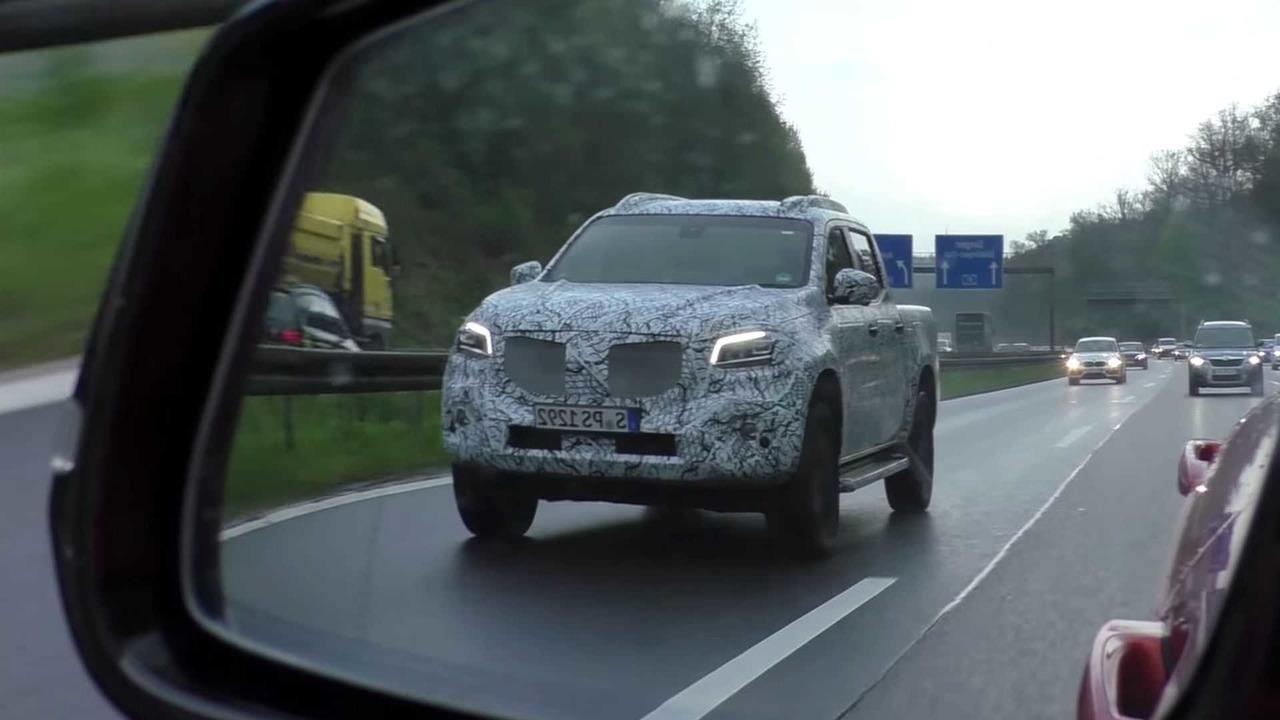 Mercedes-Benz X-Class Spy Video