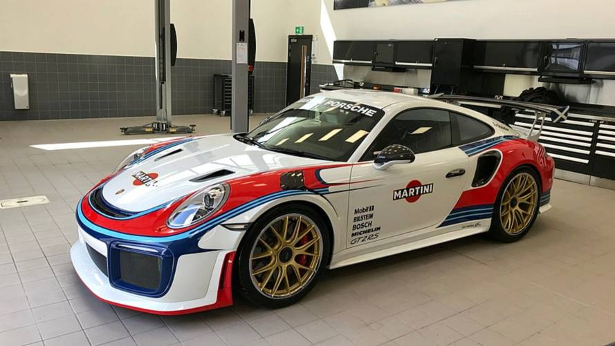 Martini livery turns new 911 GT2 RS into Moby Dick tribute