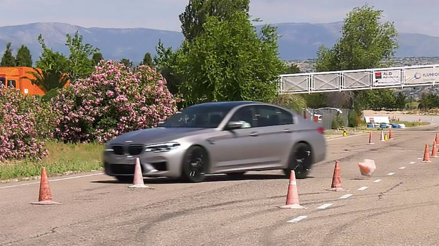 How Does The BMW M5 Perform In The Moose Test With Worn Tires?
