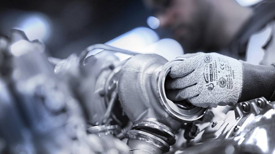 BMW M850i fabricación del motor