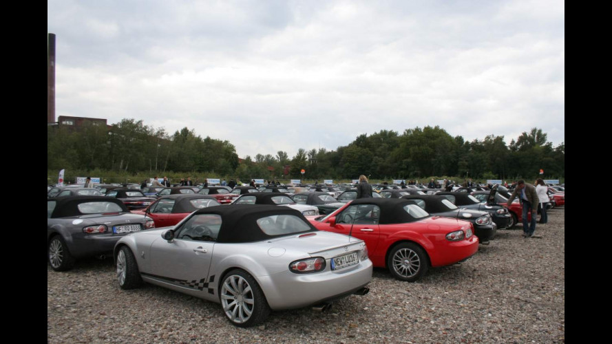 Mazda MX-5 Parade 2010: è festa