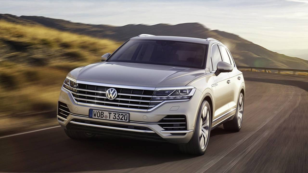discover top 10 tech features of the 2019 vw touareg rh motor1 com