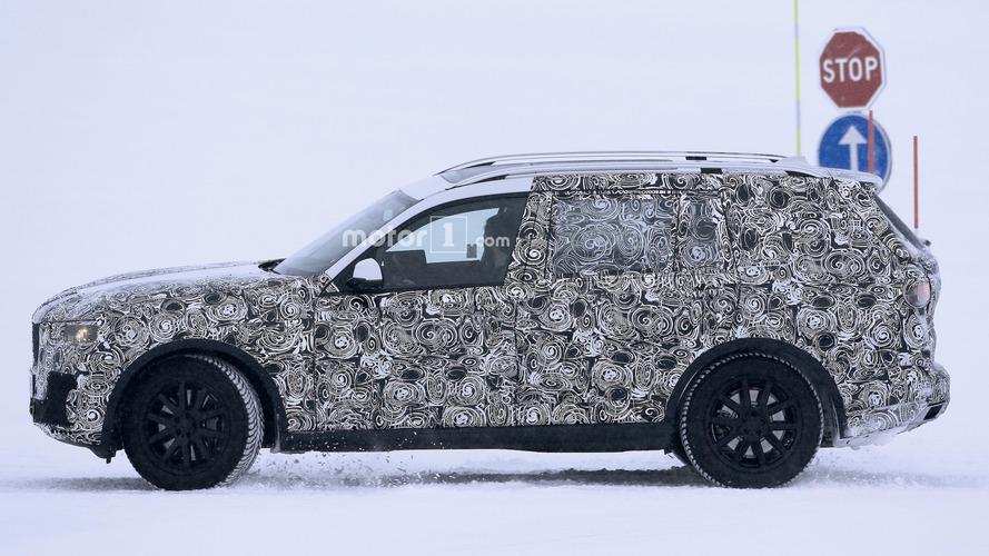 Szeptemberben érkezik a BMW X7 tanulmány