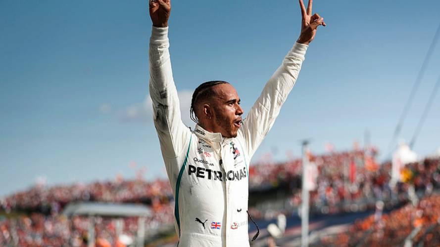 Hungarian GP: Hamilton wins as Bottas hits Vettel, Ricciardo