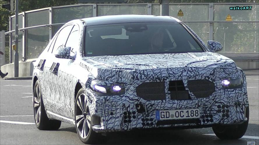2020 Mercedes S-Class duo spied out on a date together