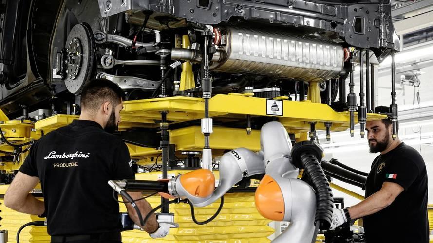 Has Lamborghini accidentally revealed a naked Urus SUV?
