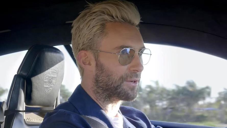 Ünlü şarkıcı Adam Levine, Porsche Mission E'yi test ediyor
