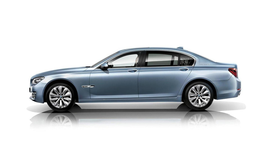 2013 BMW 7-Series facelift revealed [video]