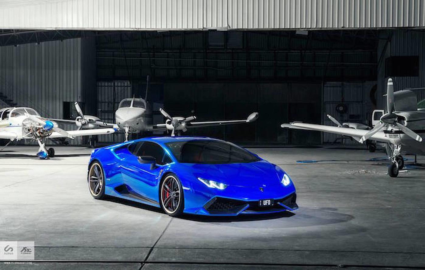 This Lamborghini Huracan In Blue Chrome Looks Crazy Good