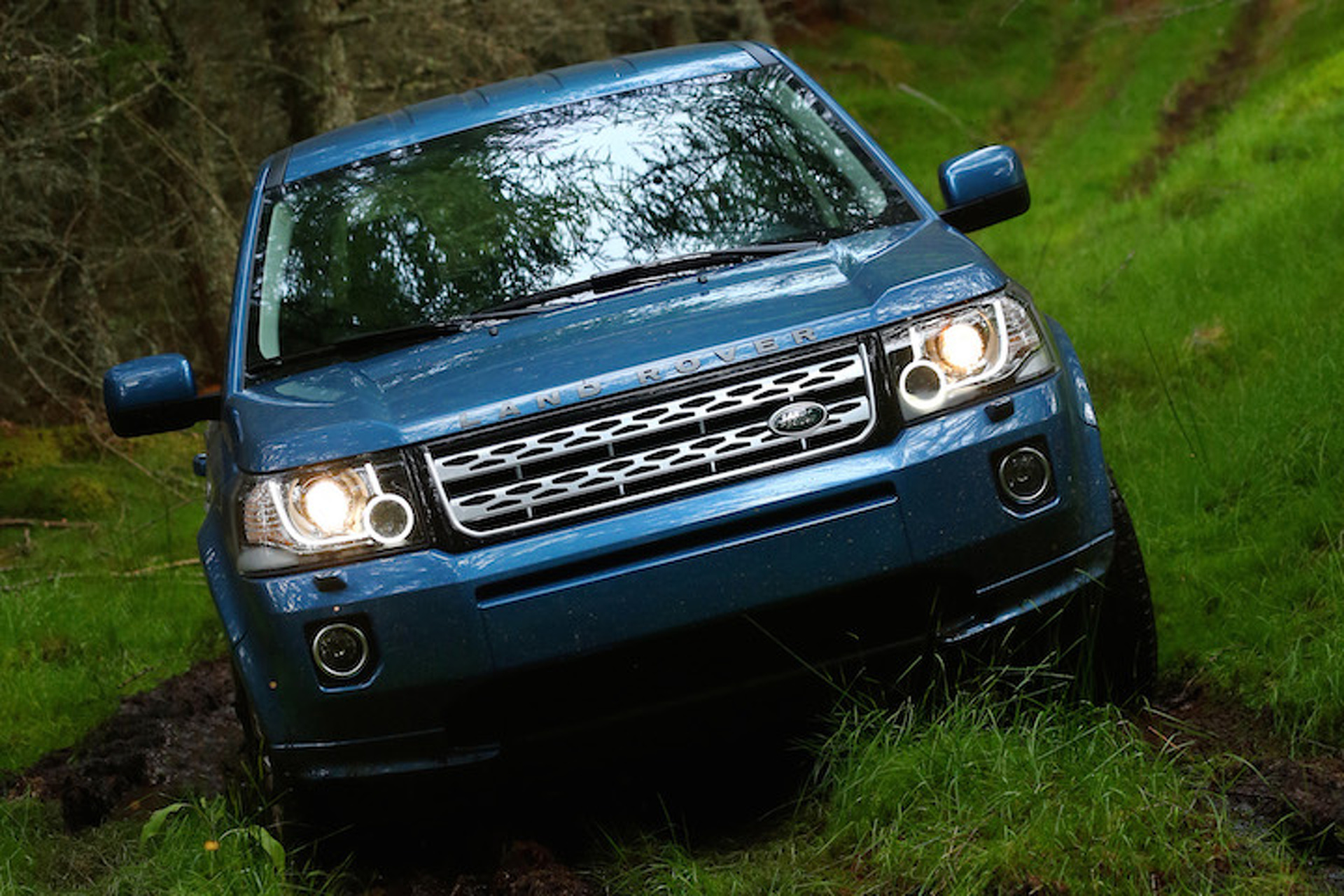 https://icdn-0.motor1.com/images/mgl/xGMe2/s1/land-rover-freelander-to-continue-life-under-tata-nameplate.jpg