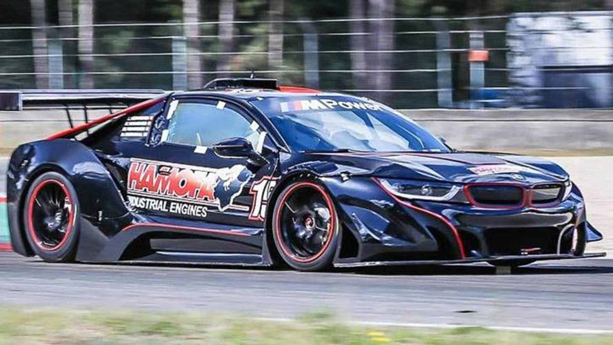 BMW i8 race car ditches hybrid for 540-bhp V8