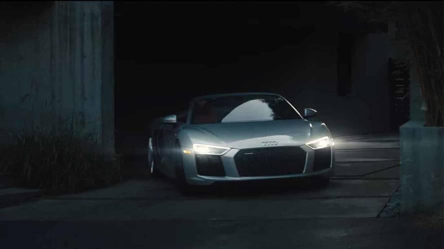 Audi, yeni R8 Spyder reklamında tam otonom sürüşe karşı