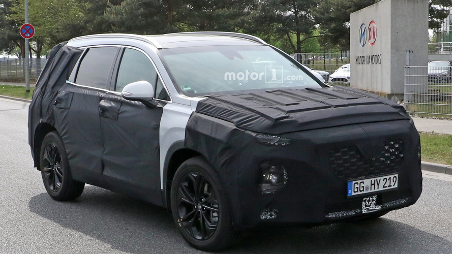 Next-Gen Hyundai Santa Fe Spied, Due 2018