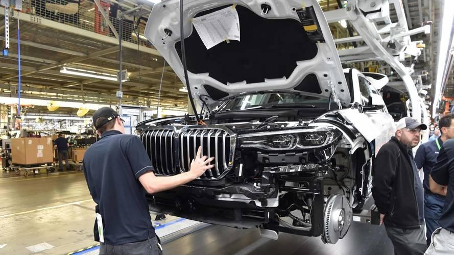 Kiszivárgott a BMW X7 xDrive50i opciós tételeinek listája