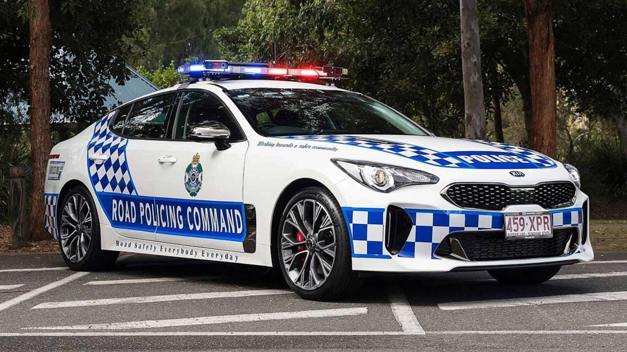 Полицейский автомобиль Kia Stinger
